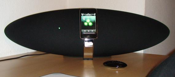 Kein UFO, keine Bombe, nur ein MP3-Player an einem Lautsprecher...
