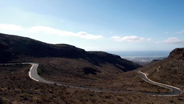Eine der vielen einsamen Bergstraßen
