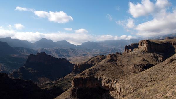 Zwischen den Bergen liegt San Bartolomé